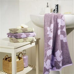 Christy Painted Leaf Towels